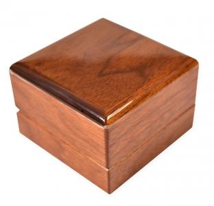 Деревянная коробка-шкатулка для ювелирных украшений