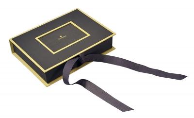Кашированная коробка-книжка на лентах для сувениров