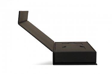 Велкомпак для пластиковой карты с клапаном на магните