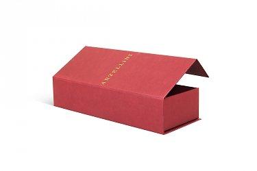Упаковка с ложементом и тиснением
