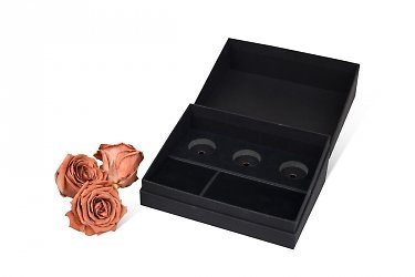 подарочная коробка с ложементом для роз