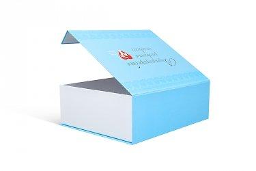 коробки с откидной крышкой заказать в Москве