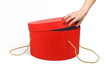 большие круглые коробки с ручками из витого шнура