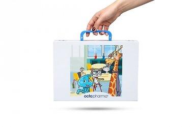 Коробка с пластиковой ручкой