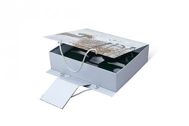 коробка с логотипом - разработка дизайна и изготовление