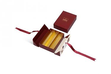 коробки для конфет под заказ с металлизированным ложементом