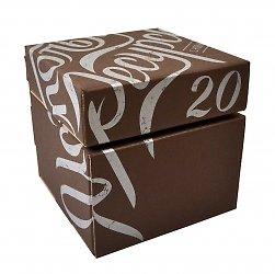 Фирменная коробка из экологичных материалов