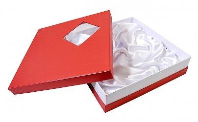 Фирменная коробка крышка дно с прозрачным окошком