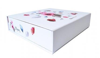 Кашированные коробки для подарков к 8 Марта