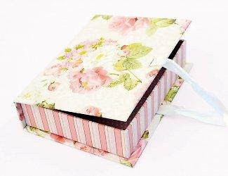 Картонная коробка-шкатулка