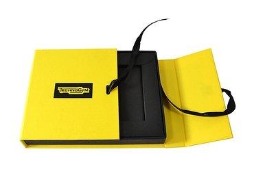 кашированная упаковка на лентах для сертификата