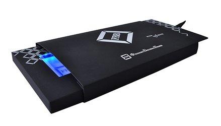 оригинальная упаковка-слайдер с подсветкой
