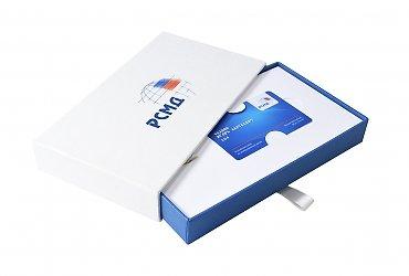 фирменная подарочная упаковка со слипкейсом и картонным ложементом