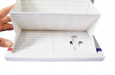 фирменная коробка с ложементом и карманами