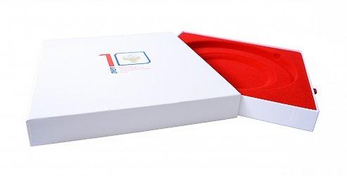 Подарочные коробки с флокированным ложементом