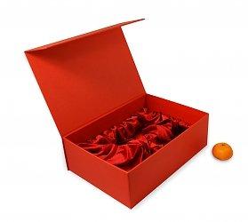 Подарочные кашированные коробки для новогодних наборов
