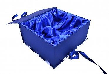 Большая кашированная коробка-книжка с атласным ложементом
