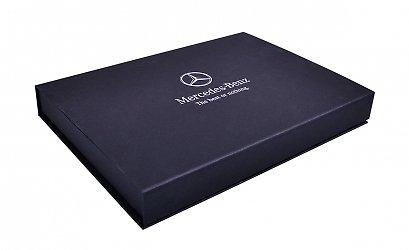 Кашированная подарочная коробка с магнитным клапаном