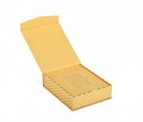 картонная подарочная упаковка для пластиковых карт