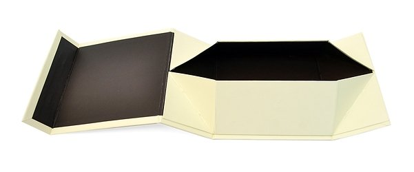 Самосборная кашированная коробка с клапаном