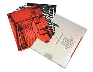 Слипкейс из металлизированного картона для открыток