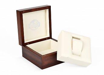 подарочная деревянная упаковка с кожаным ложементом под часы
