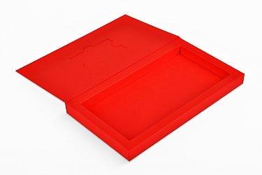 коробка влекомпак, в ней карта пластиковая