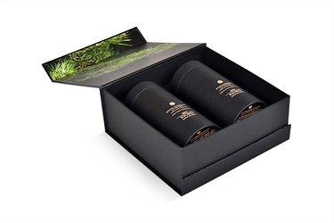сувенирная упаковка с клапаном на магните