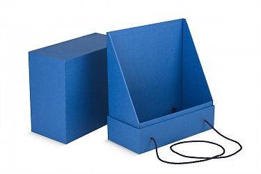 подарочная коробка с веревочными ручками