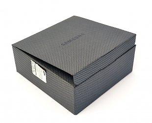 Картонная упаковка из дизайнерских материалов