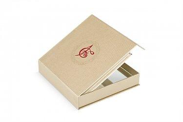 подарочная упаковка с логотипом большим тиражом