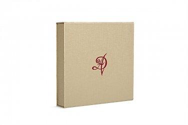 изготовление подарочных коробок на заказ с логотипом