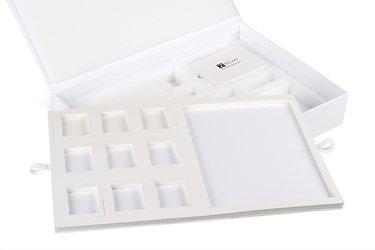 папки и чемоданчики для образцов продукции