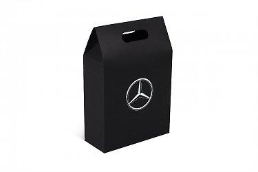 коробка подарочная, на торце логотип
