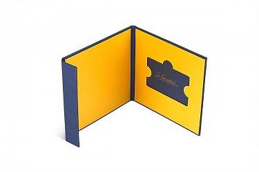 упаковка для подарочных карт с карт холдером