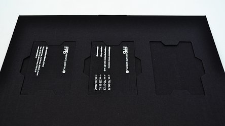 Крепление с ушками для пластиковых карт