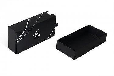 картонная упаковка с логотипом для карты