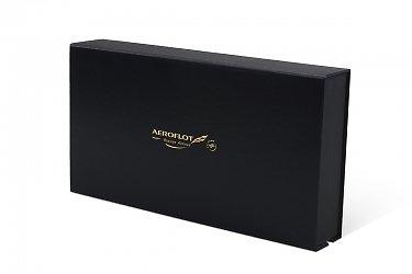 упаковка подарочного набора с тиснением