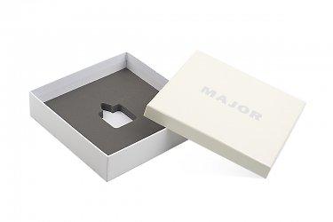 упаковка для ювелирных изделий и часов