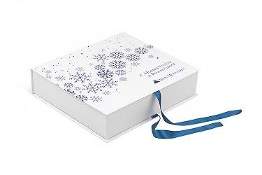 упаковка с лентами - подарочная коробка