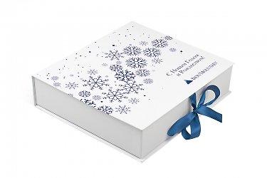 производство подарочных коробок с логотипом и лентами