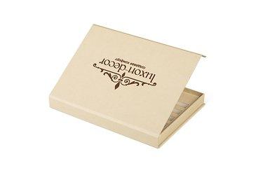 каталог образцов внутри коробки с изолоновым ложементом