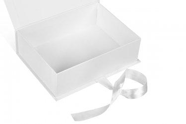 производство подарочных коробок большим тиражом