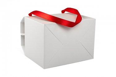 производство подарочных коробок с лентами