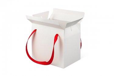 коробка подарочная с лентами из картона