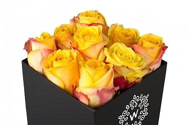 коробка подарочная с цветами