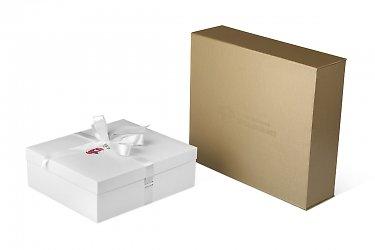 подарочная упаковка коробка с лентами