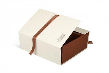 кашированные коробки для корпоративных подарков
