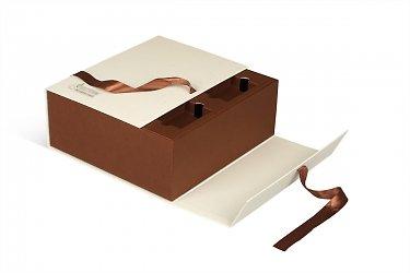 подарочные коробки с лентами для корпоративного подарка