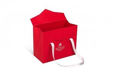 подарочные дизайнерские пакеты с ручками